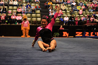College gymnasts discover how to have a thriving Bible study (side photo 1)